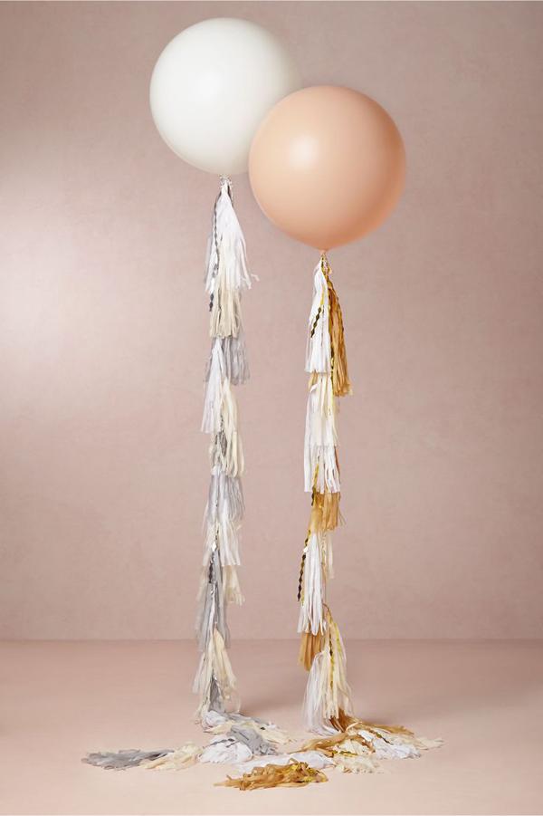 giant-wedding-balloons