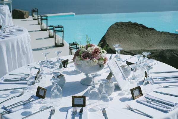 white-and-blush-wedding-centerpieces
