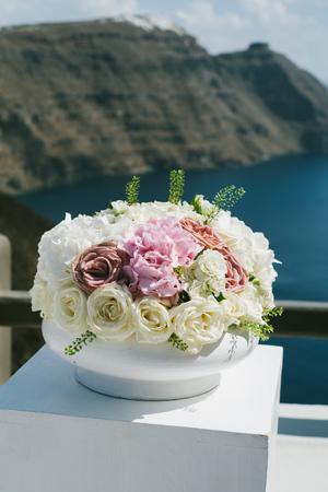 white-blush-wedding-flowers