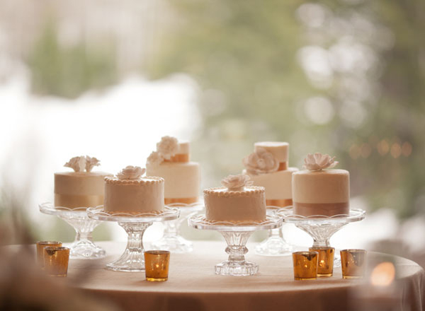 individual-mini-wedding-cakes