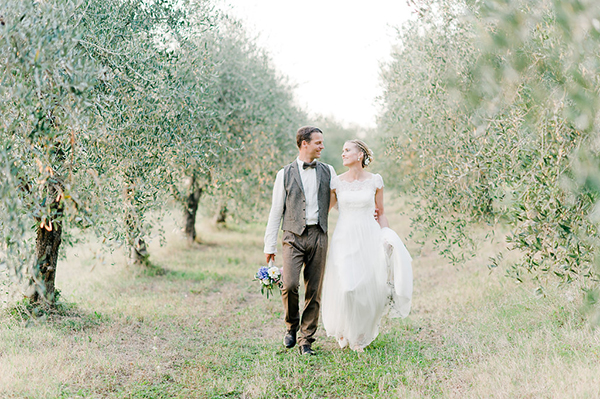 rustic-Tuscan-countryside-wedding