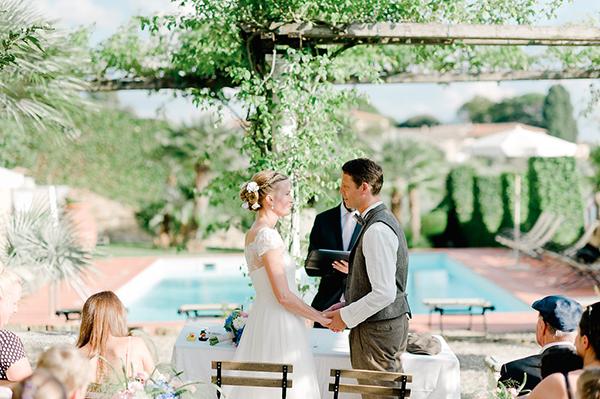 short-sleeved-wedding-dress