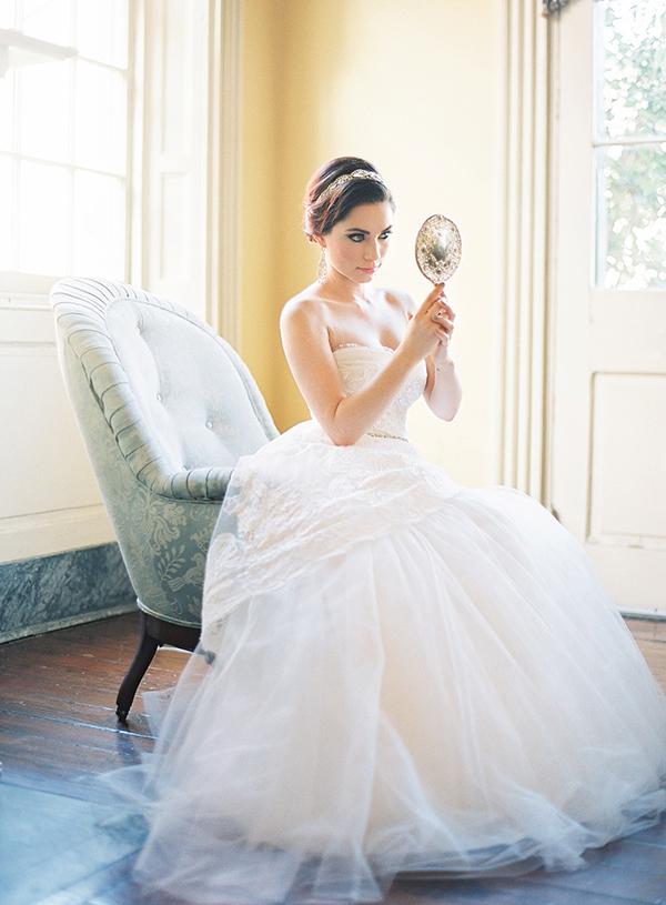 Monique-Lhuillier-strapless-gown