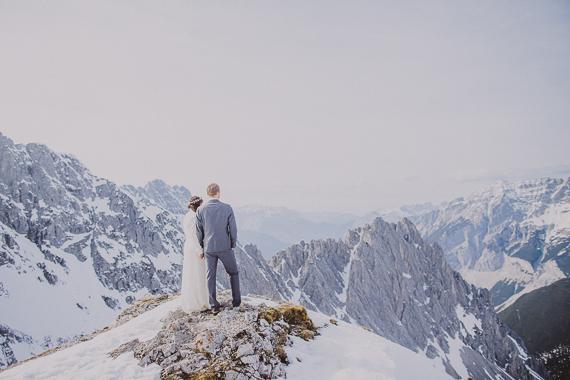 snowy-wedding-photos-alps-1