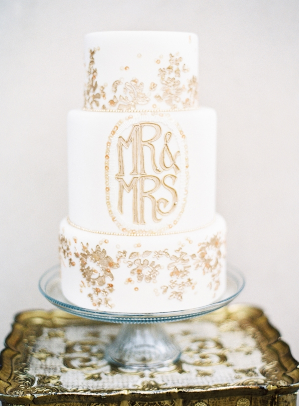 pink-gold-wedding-cake