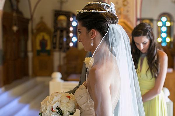 bride-santorini-wedding-church