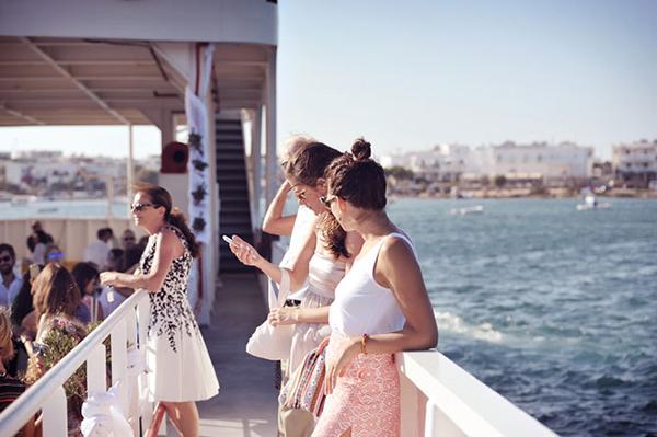 ferry-boat-wedding-3