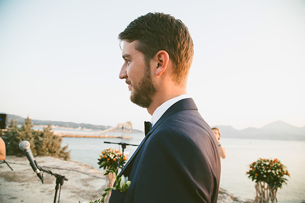 island-wedding-groom-suit