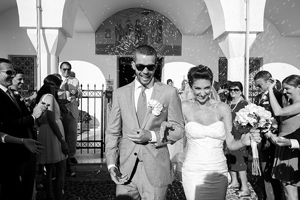 santorini-summer-wedding-bridal-couple-ceremony