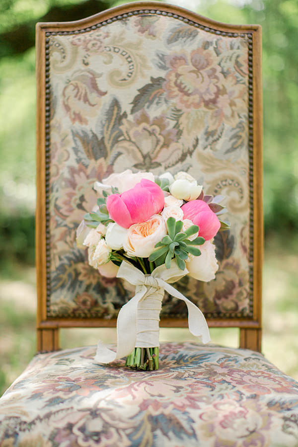 peony-and-succulent-bridal-buqouet