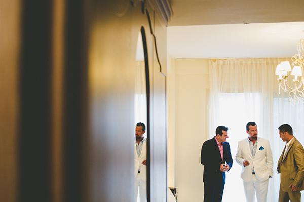 summer-wedding-parga-grooms-preparation