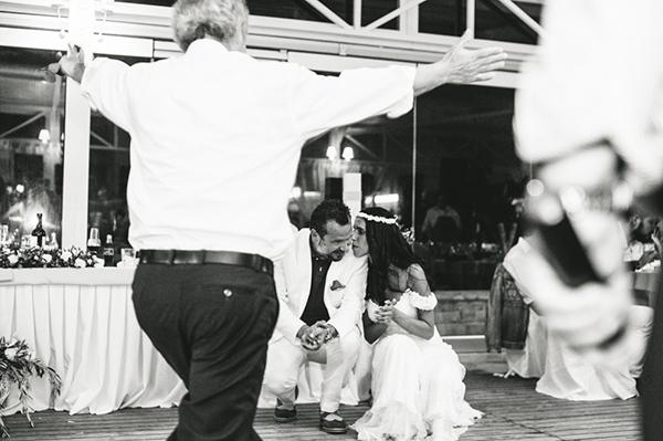summer-wedding-parga-reception-dance