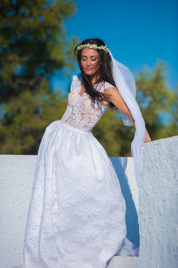 summer-wedding-santorini-bride-1