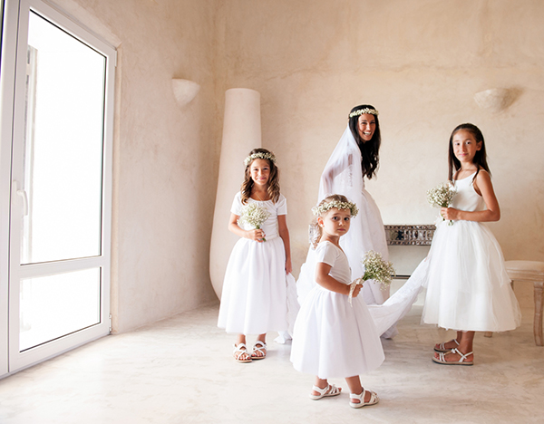 summer-wedding-santorini-flower-girls
