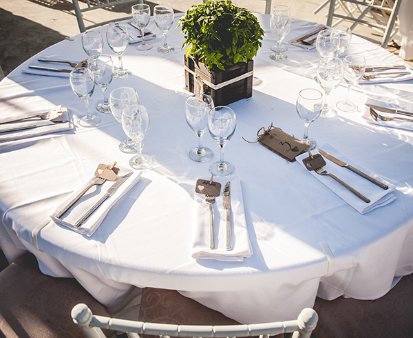 table-decoration-summer-wedding-santorini-reception