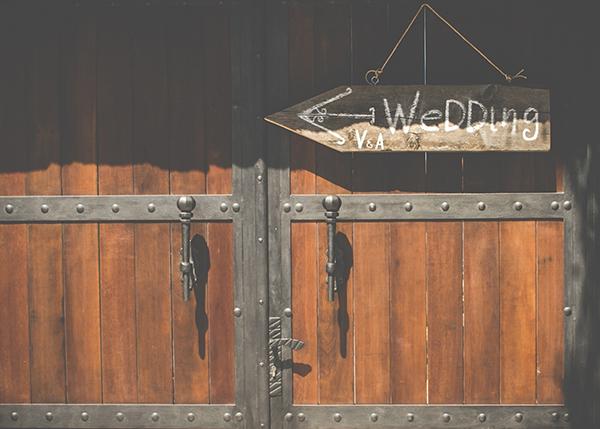 wedding-posts-santorini