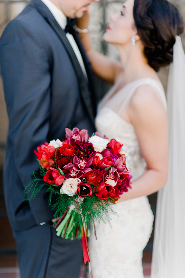 bridal-bouquet-red-roses (1)
