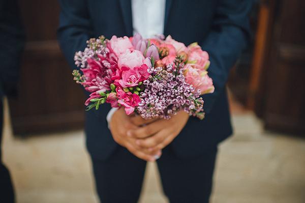 bridal-bouquet-bright-colors