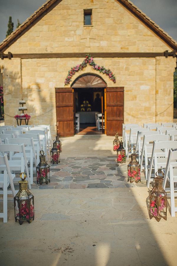 wedding-decoration-with-lamp-lights