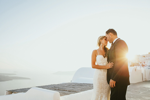 bridal-couple-next-day-photo-shoot-santorini