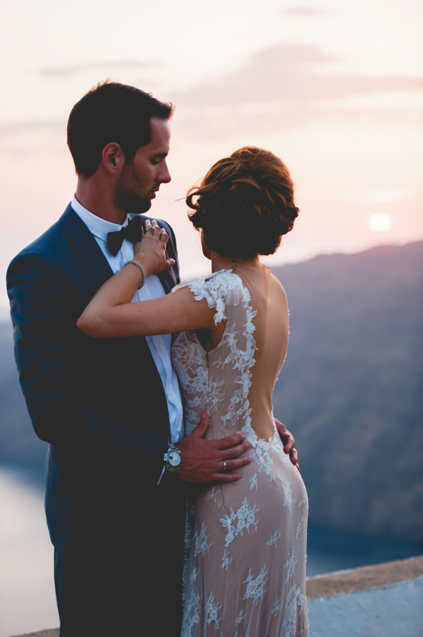 bridal-couple-photo-shoot-santorini (2)
