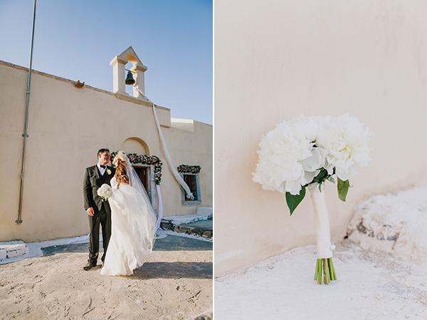 bridal-couple-white-bouquet