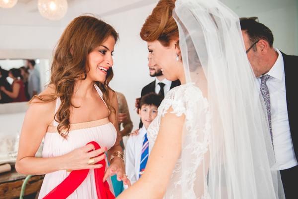 bridal-preparation-wedding-in-santorini (2)