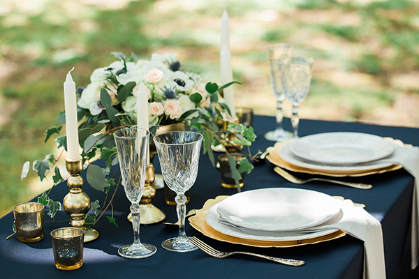 elegant-table-setting-blue-and-gold : blue and gold table setting - pezcame.com