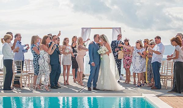 outdoor-elegant-wedding-in-santorini (3)