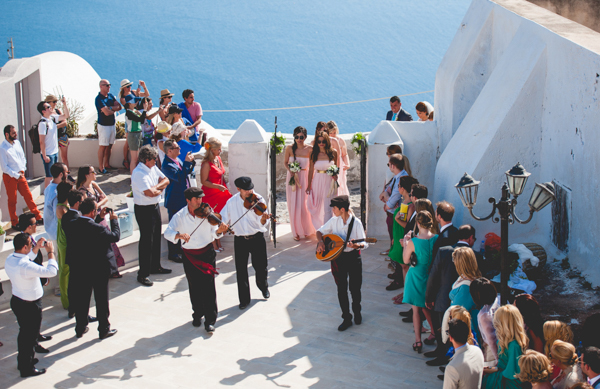 summer-destination-wedding-in-santorini (11)