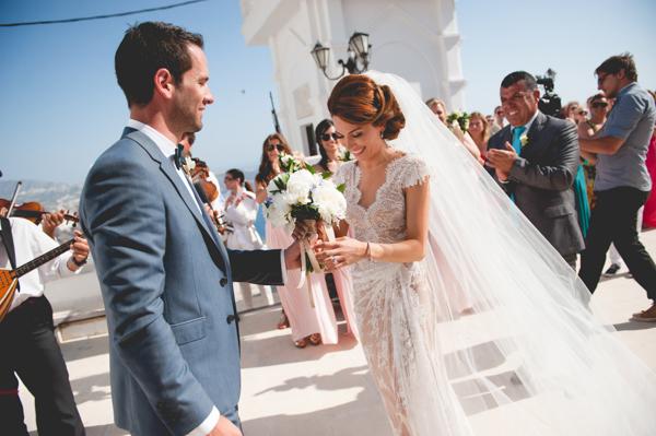 summer-destination-wedding-in-santorini (14)