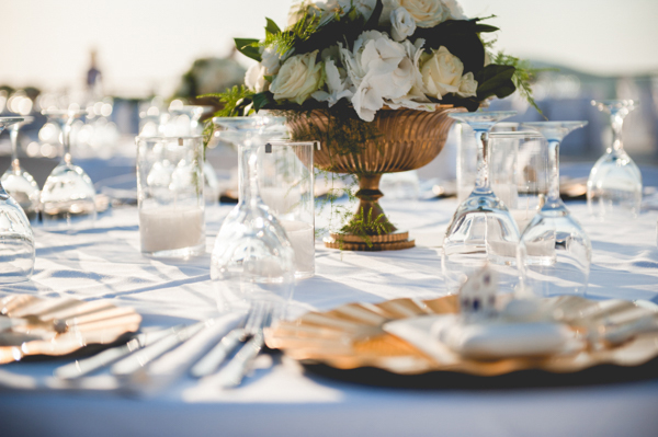 venue-decoration-wedding-in-santorini (2)