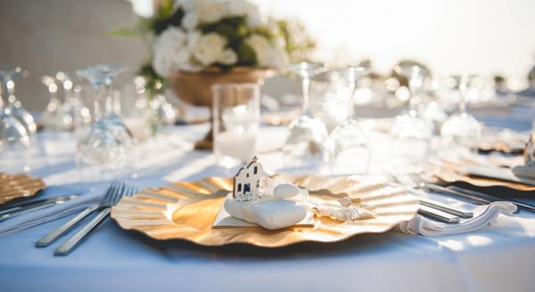 venue-decoration-wedding-in-santorini (4)