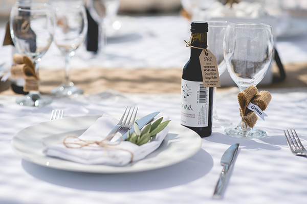 wedding-in-santorini-table-decoration