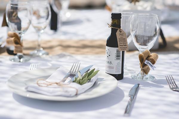 wedding-in-santorini-table-decoration