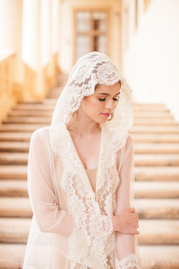 Boudoir-Hooded-Tulle&French-Lace-Robe-Kimono-1