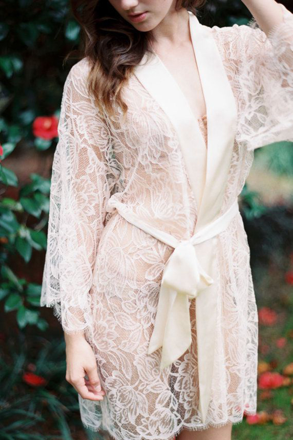 Fleur-Le-Resort-Tulip-French-Lace&Silk-Bridal-Kimono-Robe-in-Blush-Pink