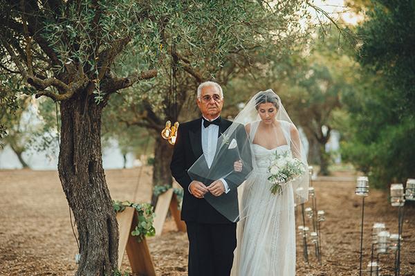 Monique-Lhuillier-wedding-dress (1)