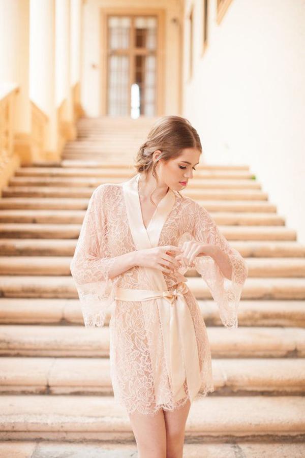 Pour-le-Boudoir-Lace-Robe-in-off-white (2)