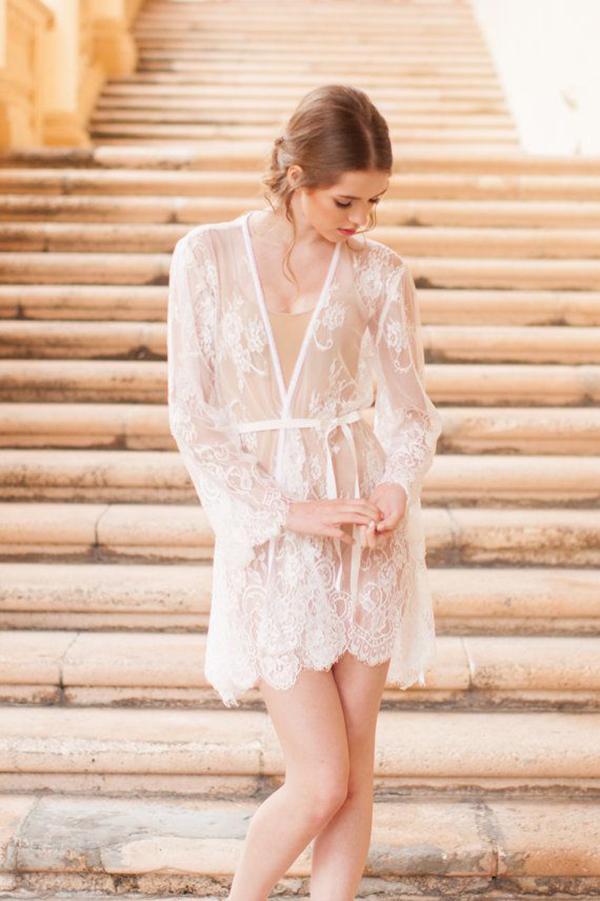 Pour-le-Boudoir-Lace-Robe-in-off-white