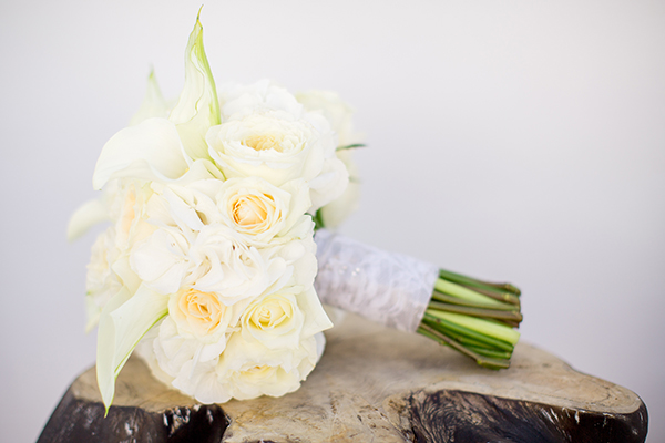 bridal-bouquet-white-peonies