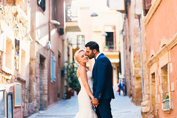 bridal-couple-destination-wedding-Greece