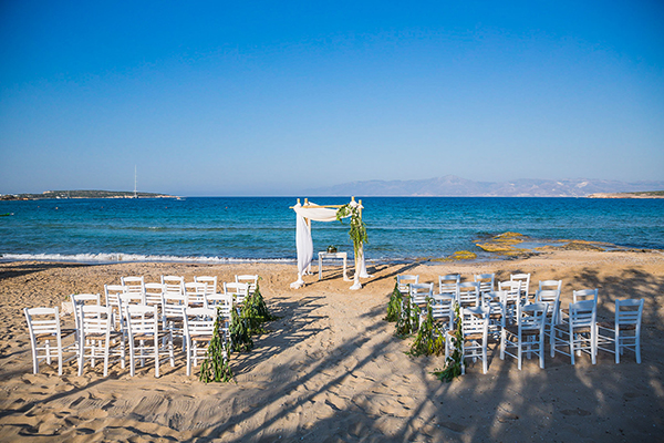 ceremony-on-the-beach