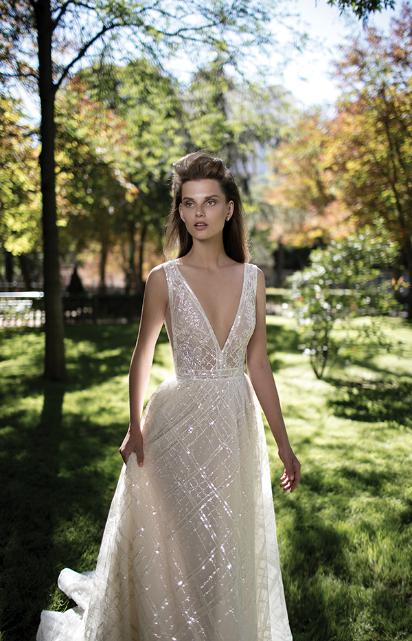 v-neckline-wedding-dress (1)