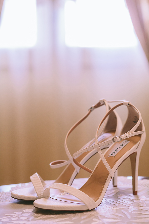 white-bridal-sandals-steve-madden