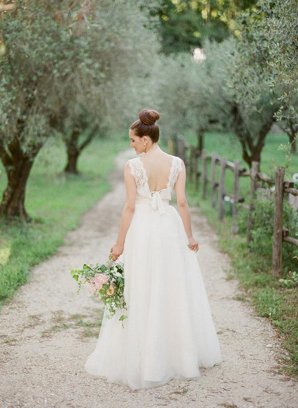 Laveda-bridal-dresses (2)