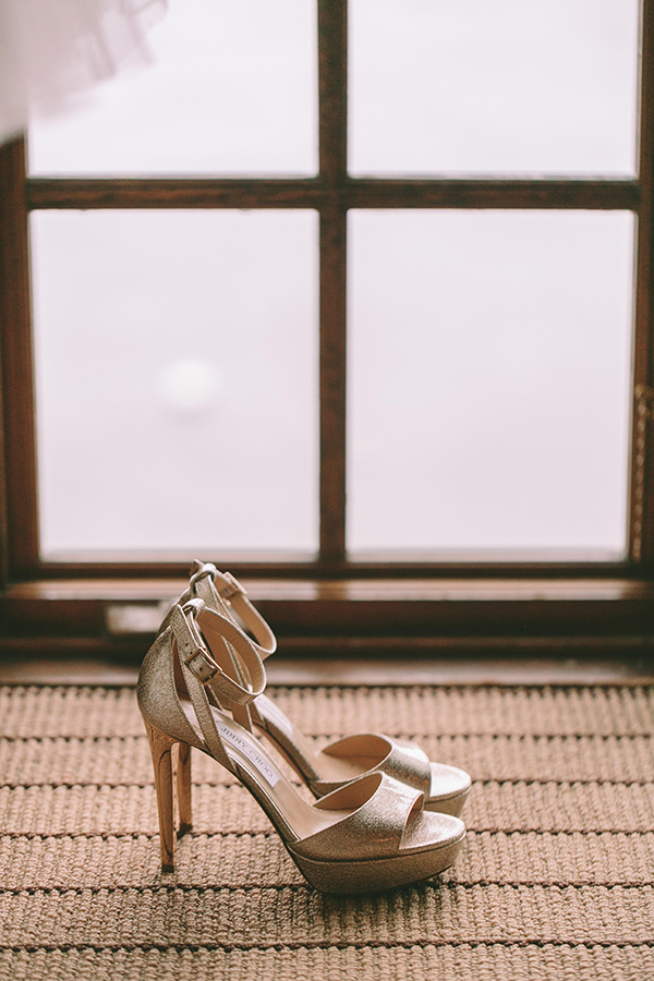 gold-bridal-shoes