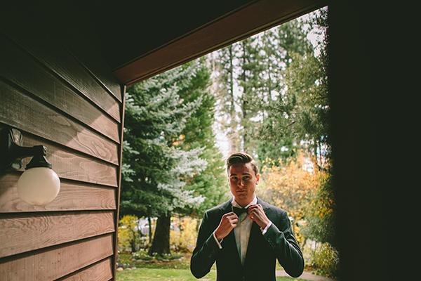 groom-suit-winter-wedding