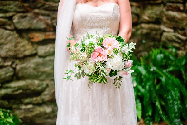 romantic-bridal-bouquet