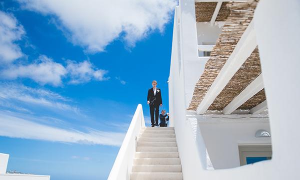 Destination-wedding-in-Santorini (3)